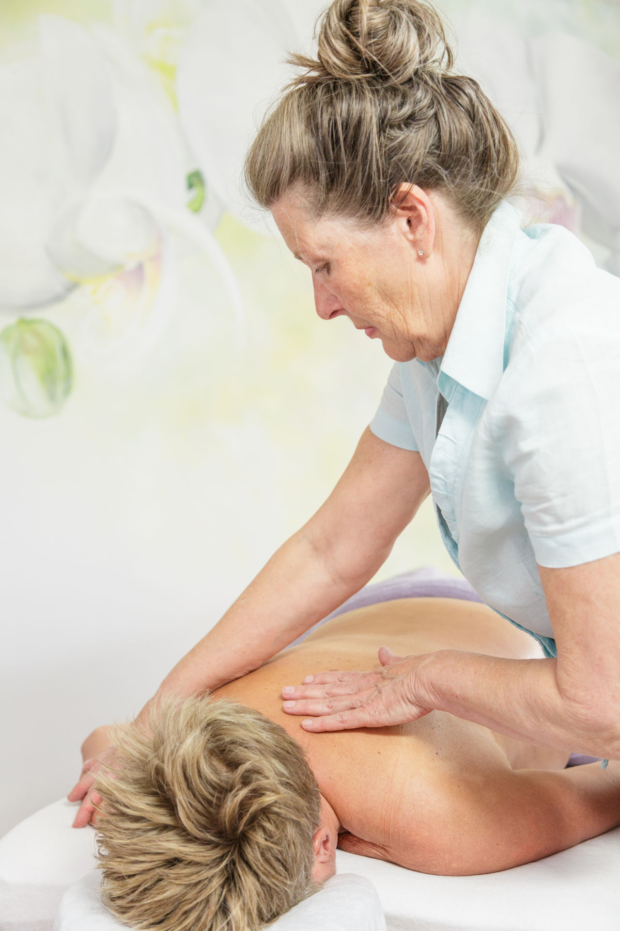 Tui Na massage in de overgang - Silvia masseert